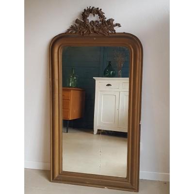 Miroir doré ancien de style Louis Philippe avec fronton