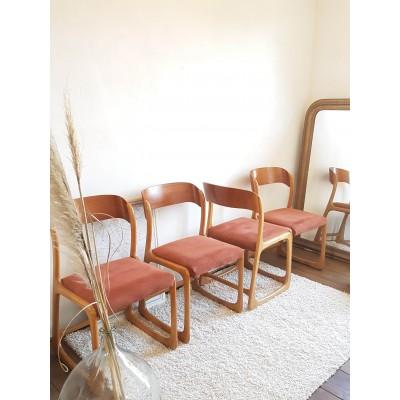 Suite de 4 chaises traineaux Baumann