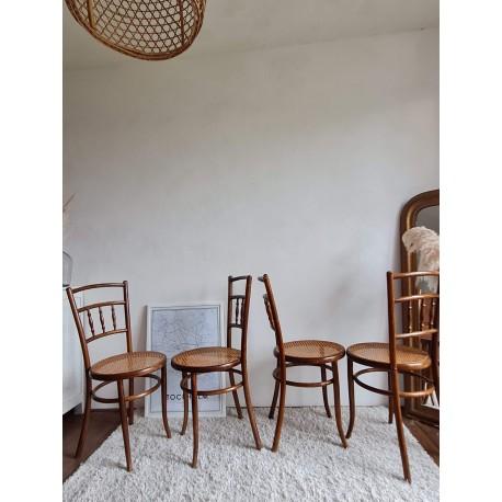 Suite de 4 chaises bistrots cannées Fischel