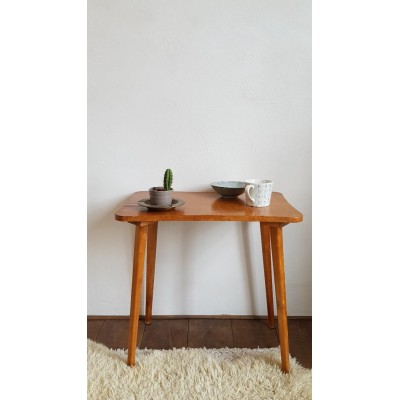 Table basse scandinave - pieds compas